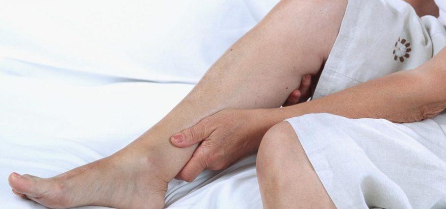 آیا گرفتگی عضلات پا(ساق و ران)در شب یکی از علائم واریس پنهان است؟