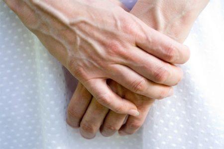 برجستگی رگها در دست به چه دلیل ایجاد میشود؟